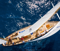 Deckhand on Classic Sailing Yacht